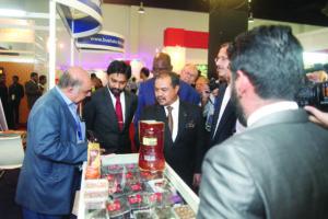 Mejar Jeneral Dato' Seri Jamil Khir Baharom paid a tour visit to The 6TH MWB Exhibitors