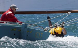 2015-nationals-hang-on-02
